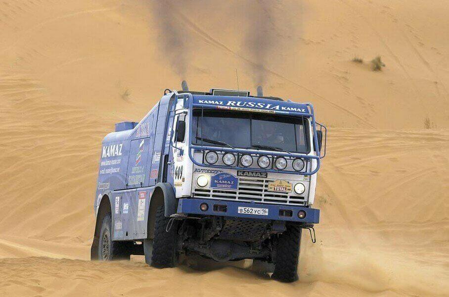 Париж дакар 2021: грузовики